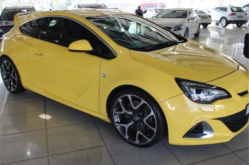 Opel Astra OPC 2014