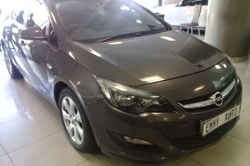 Opel Astra sedan 1.4 Turbo Enjoy 2014