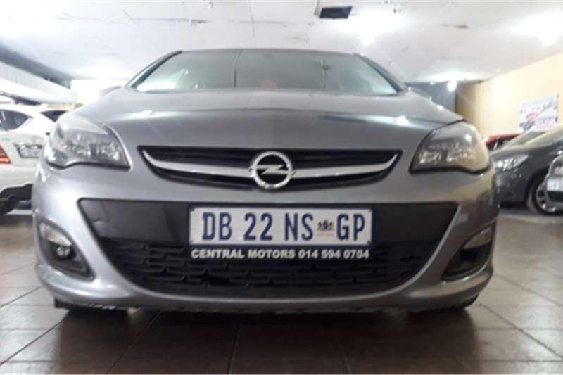 Opel Astra sedan 1.4 Turbo Essentia auto 2013