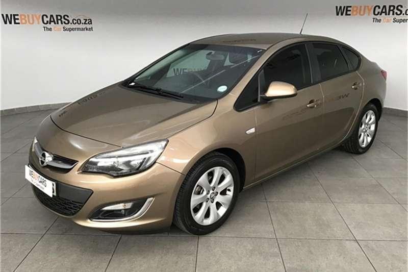 Opel Astra sedan 1.6 Essentia 2014