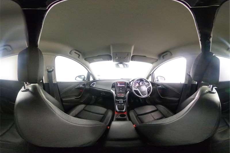 Used 2015 Opel Astra sedan 1.6 Turbo Cosmo