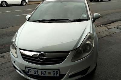 Opel Corsa 1.4 Essentia 2010