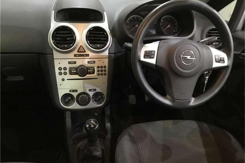 Opel Corsa 1.4 Essentia 2012