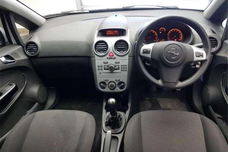 Opel Corsa 1.4 Essentia 2013
