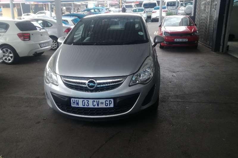 Opel Corsa 1.4 essential 2013