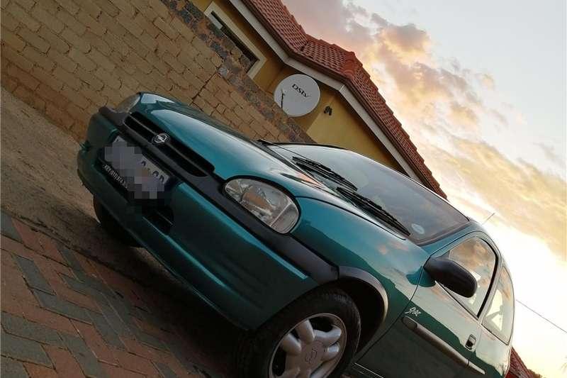 Opel Corsa 1.6 Sport 2000