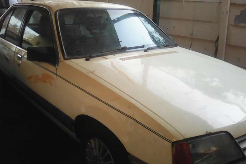 Opel Rekord 1988