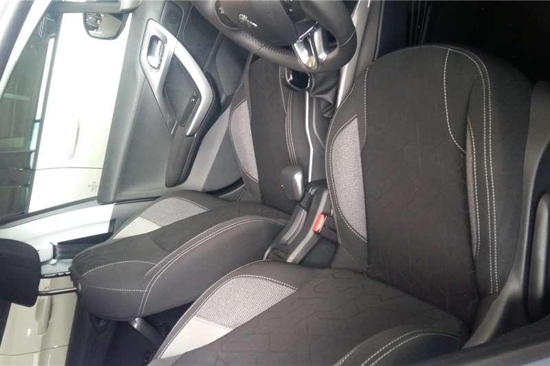Peugeot 2008 1.6 HDi ACTIVE 2020