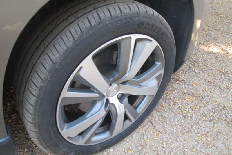 2015 Peugeot 2008 1.6 Allure