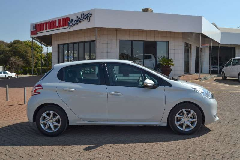 Peugeot 208 1.6 HDI Active 5Dr 2015