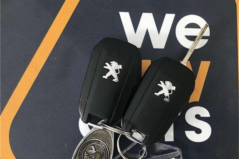 Peugeot 208 5 door 1.2 Access 2015