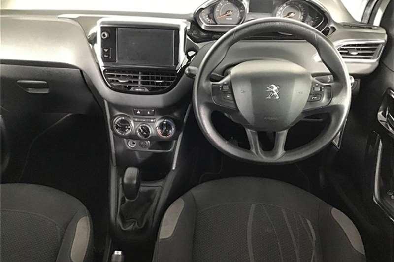 Peugeot 208 5 door 1.2 Active 2015
