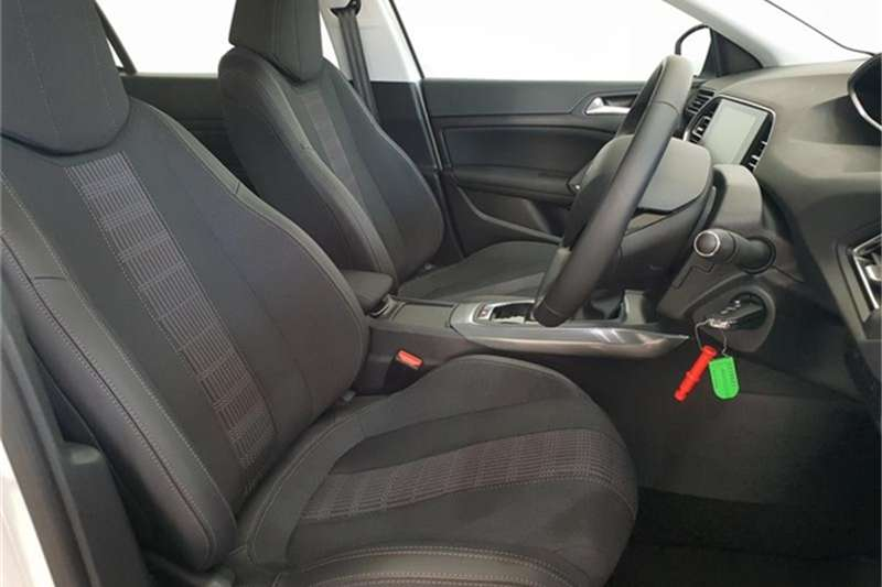 Peugeot 308 hatch 308 1.2T PURETECH ALLURE A/T 2018