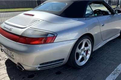 Porsche 911 Carrera 4 cabriolet 2004
