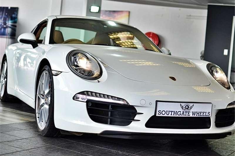 Porsche 911 Carrera S auto 2013