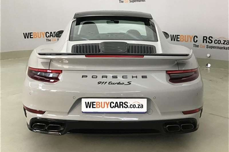 Porsche 911 turbo S coupe 2018