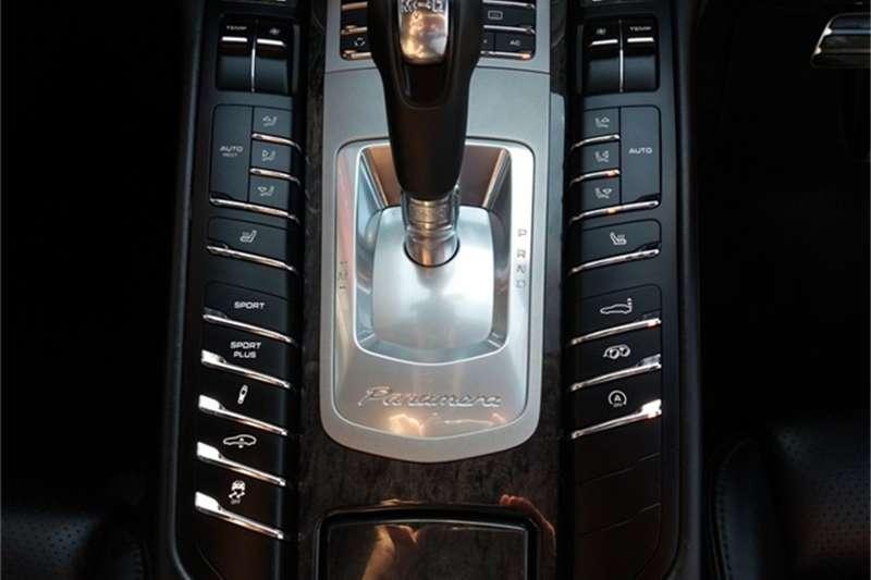 Porsche Panamera turbo S 2011