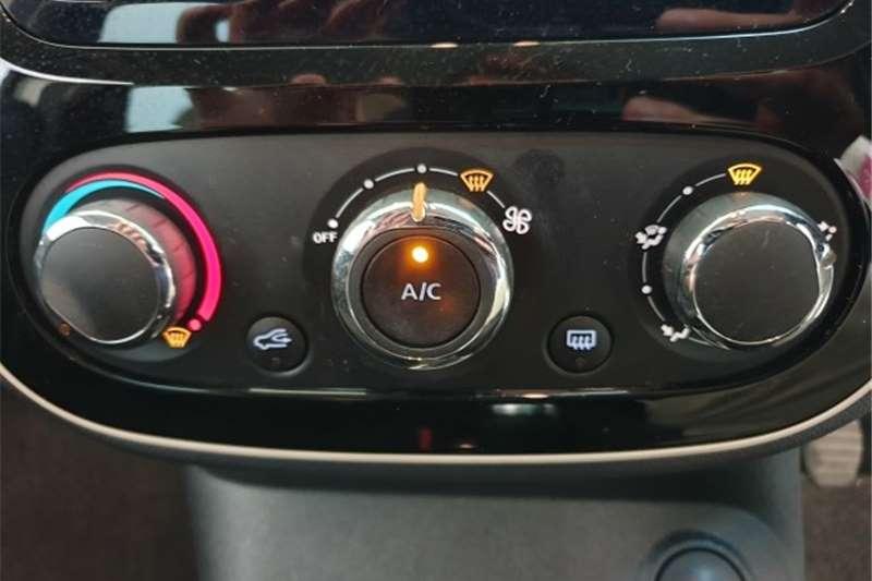 Renault Captur 66kW turbo Blaze 2019