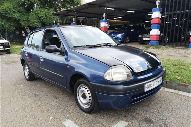 Renault Clio 1.2 AUTHENTIQUE 2001