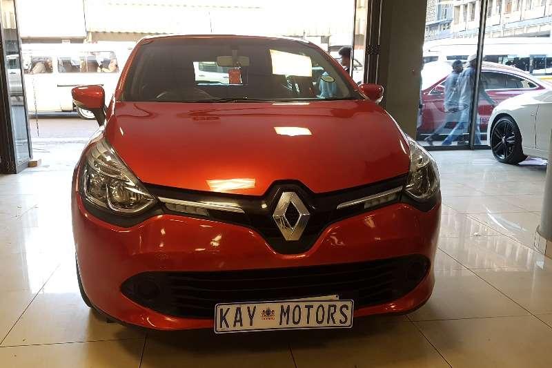 Renault Clio 1.4 Expression 3 door 2014