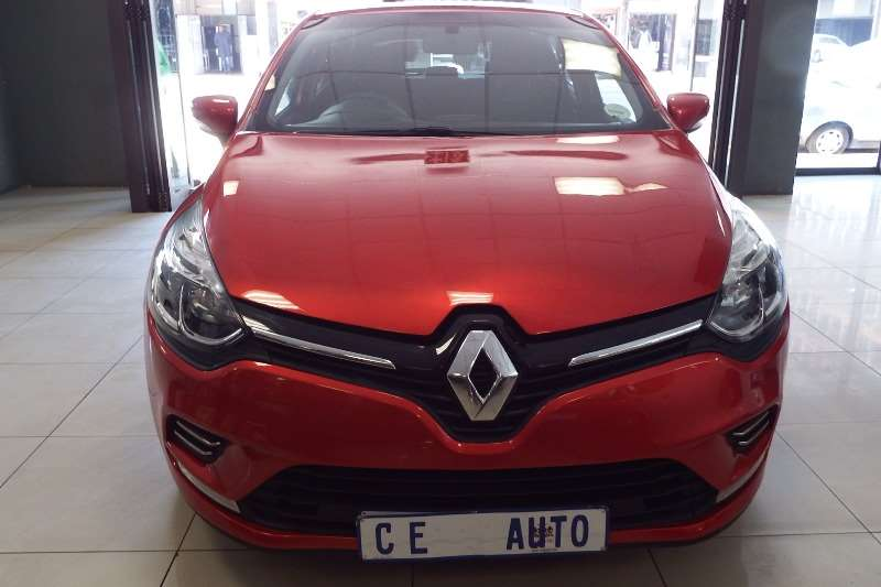 Renault Clio 1.4 Expression 3 door 2017