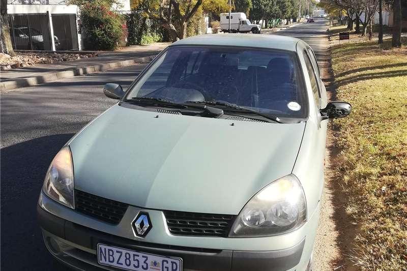 Renault Clio 1.4 Expression 5 door 2001
