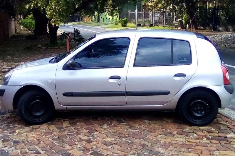 Renault Clio 1.4 Expression 5 door 2006