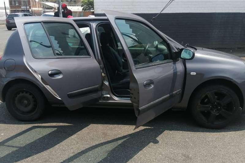 Used 2006 Renault Clio 1.4 Expression 5 door