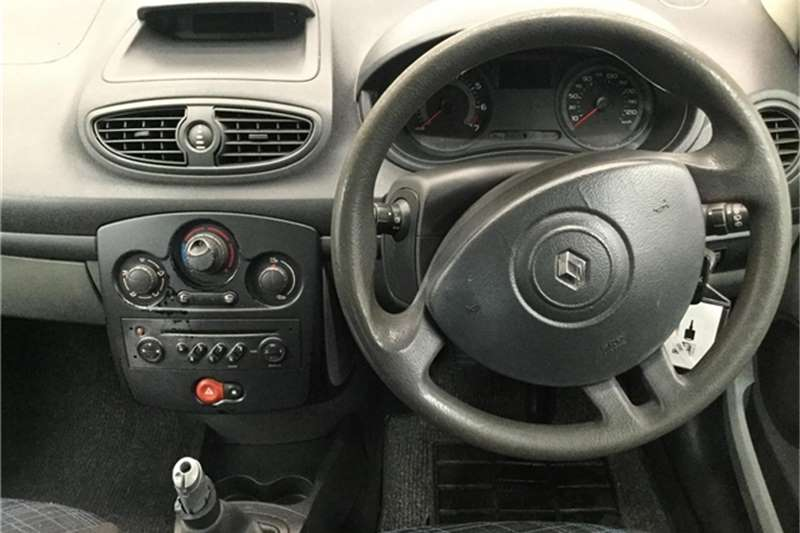 Renault Clio 1.4 Expression 5 door 2007