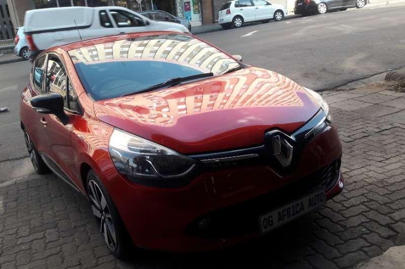 Renault Clio 1.4 Expression 5 door 2013