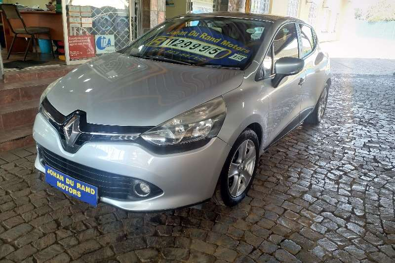 Renault Clio 1.4 Expression 5 door 2013