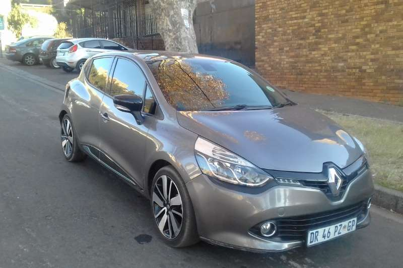 Renault Clio 1.4 Expression 5 door 2015