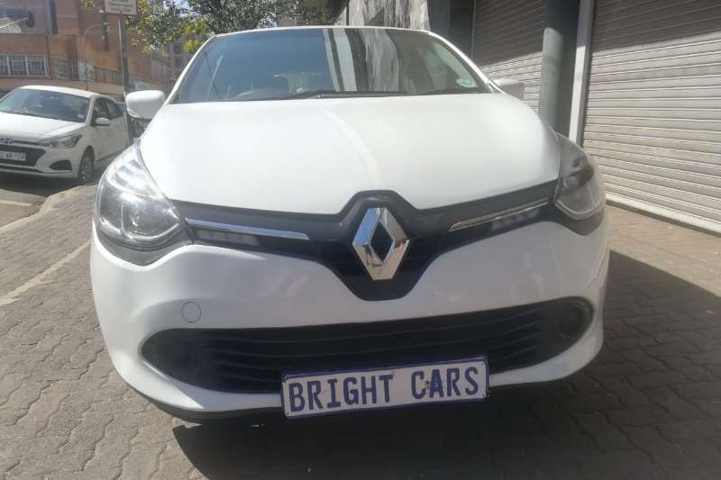 Renault Clio 1.4 Expression 5 door 2016