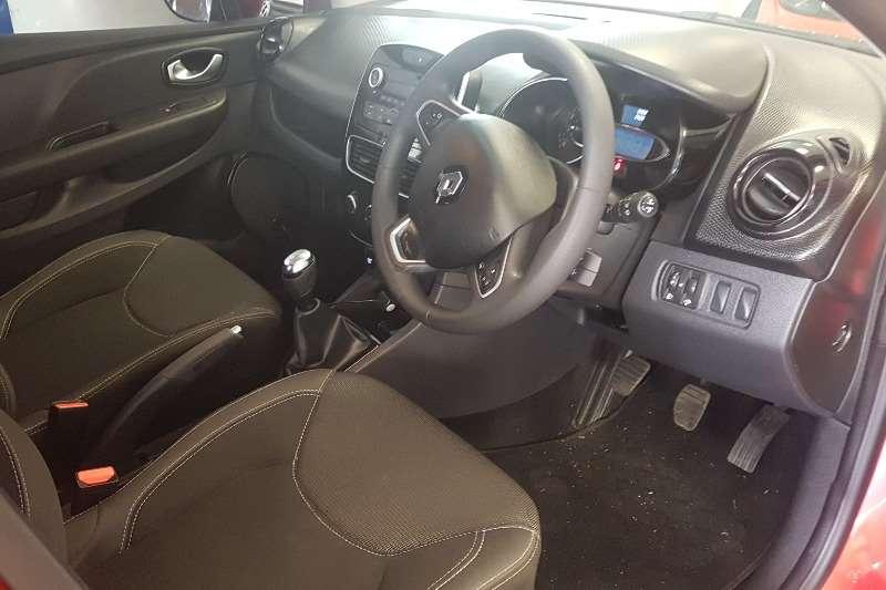 Renault Clio 1.4 Expression 5 door 2017