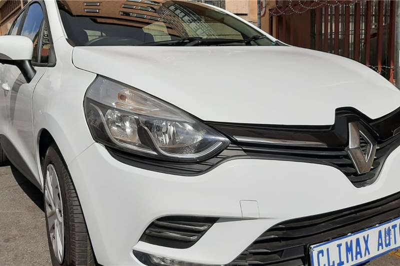 Renault Clio 1.4 Expression 5 door 2019