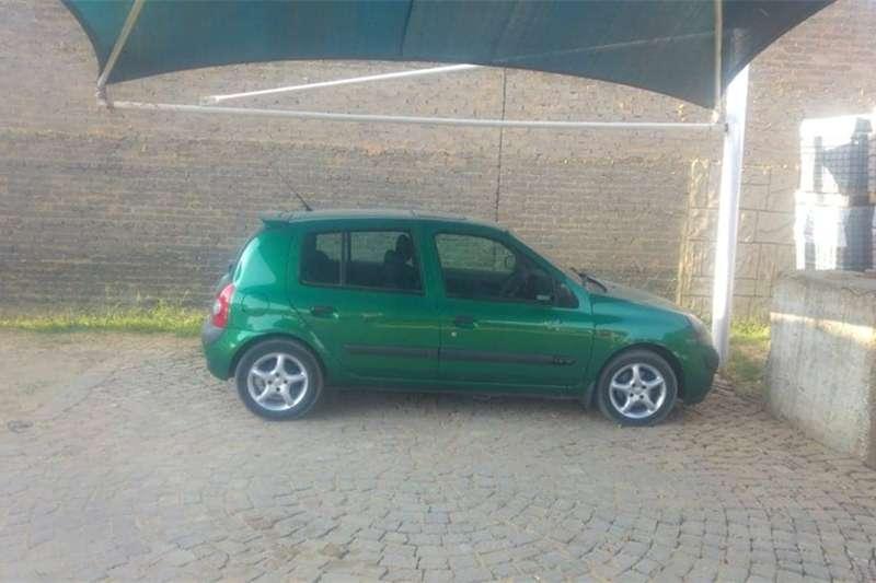 Renault Clio 1.4 Extreme 5 door 2002
