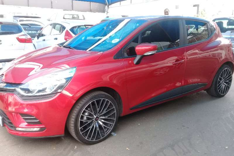 Renault Clio 1.4 Extreme limited edition 5 door 2017