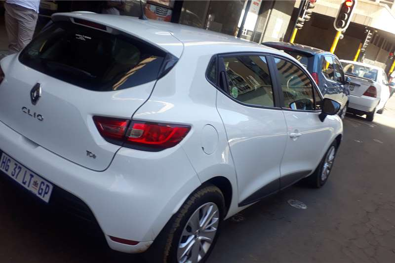 Renault Clio 1.4 Extreme limited edition 5 door 2019