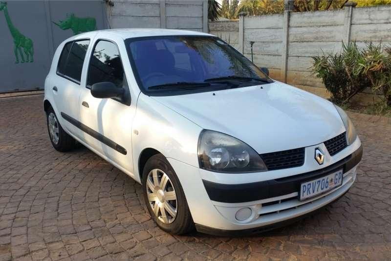 Renault Clio 1.5dCi Expression 5 door 2003