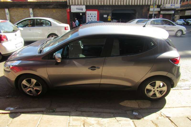 Renault Clio 1.5dCi Expression 5 door 2016