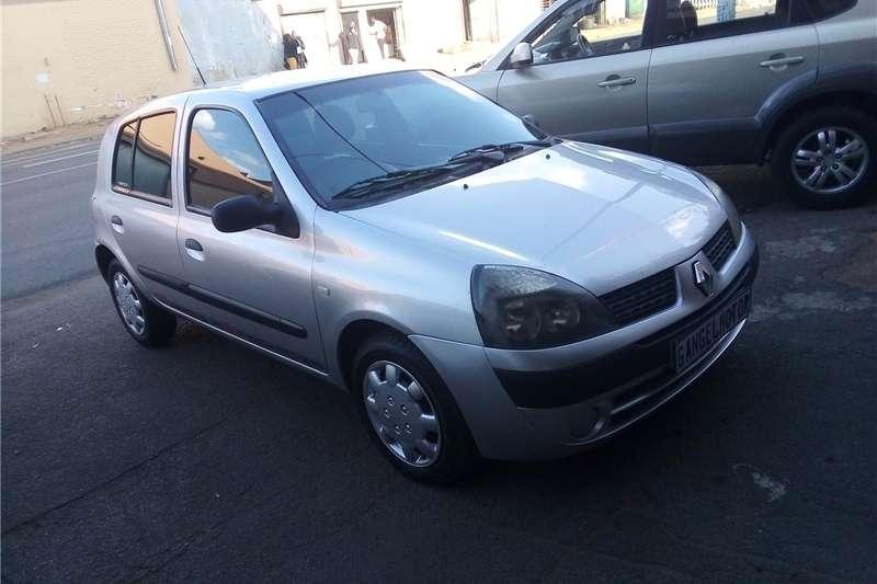 Renault Clio 1.6 Avantage 2006