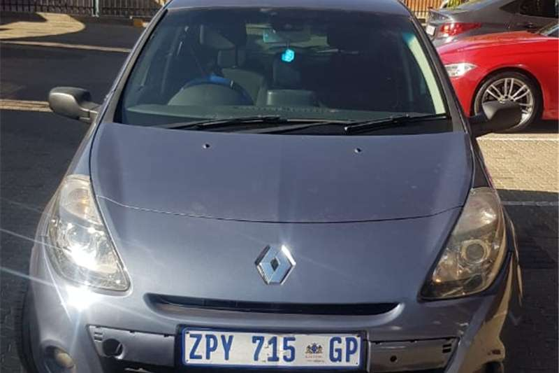 Renault Clio 1.6 Avantage 2010