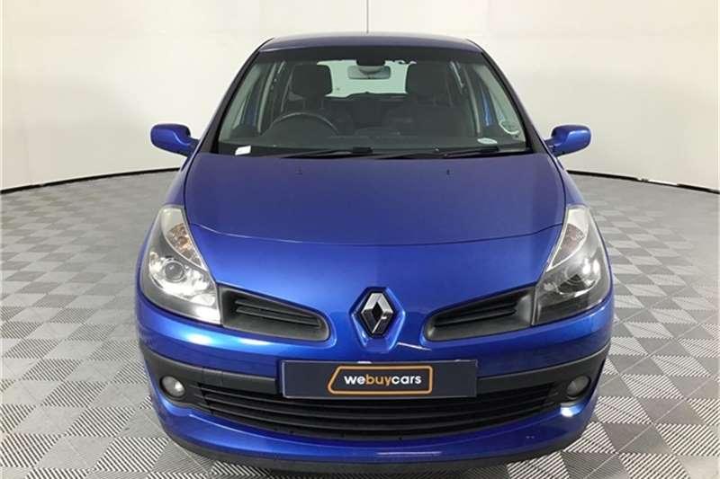 Renault Clio 1.6 Dynamique 5 door 2006