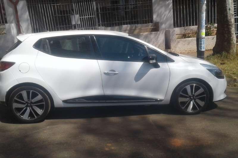 Renault Clio 1.6 Dynamique 5-door 2014