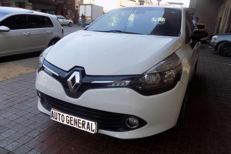 Renault Clio 1.6 Dynamique 5 door 2014