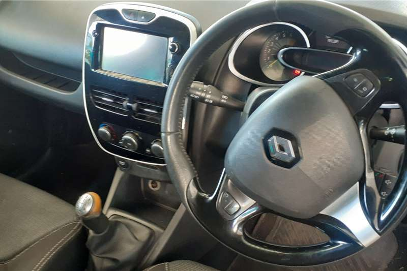 Used 2015 Renault Clio 1.6 Dynamique 5 door