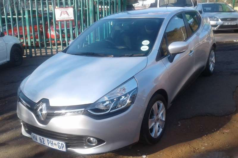 Renault Clio 1.6 Expression 5 door 2016