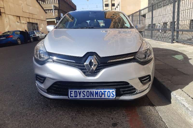 Renault Clio 1.6 Expression 5 door 2017