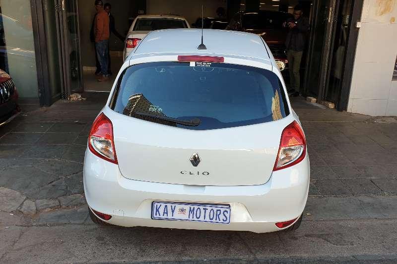 Renault Clio 1.6 Extreme 5 door automatic 2011