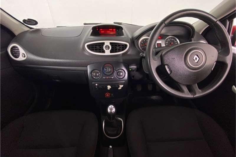 2013 Renault Clio Clio 1.6 Yahoo!